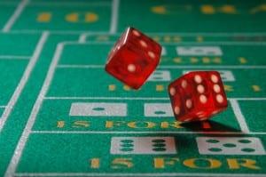Craps er et terningspill hvor spillerenen satser på utfallet - av et terningkast, en serie av kast eller om terningene lander på par.
