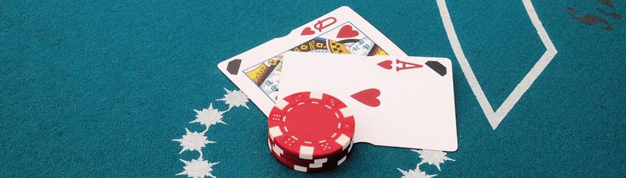 Et ess + et billedkort eller en tier = Blackjack